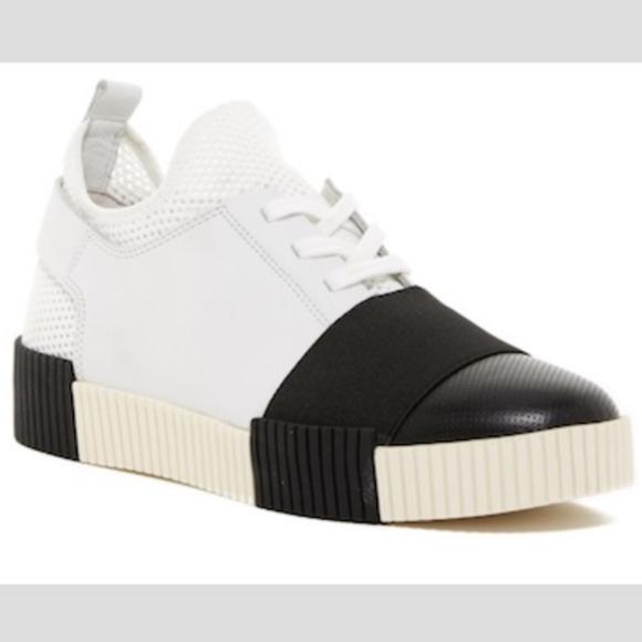 7926f0b5bd9 Marc Fisher LTD- Ryley Platform Sneaker. M 5b11d9fd45c8b3aa551bb323